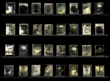 Inframince(앵프라맹스) _ Collodion-Wet-Plate-Negative(32-Pieces), Installation View, OCI-Museum Art Studio, 2014